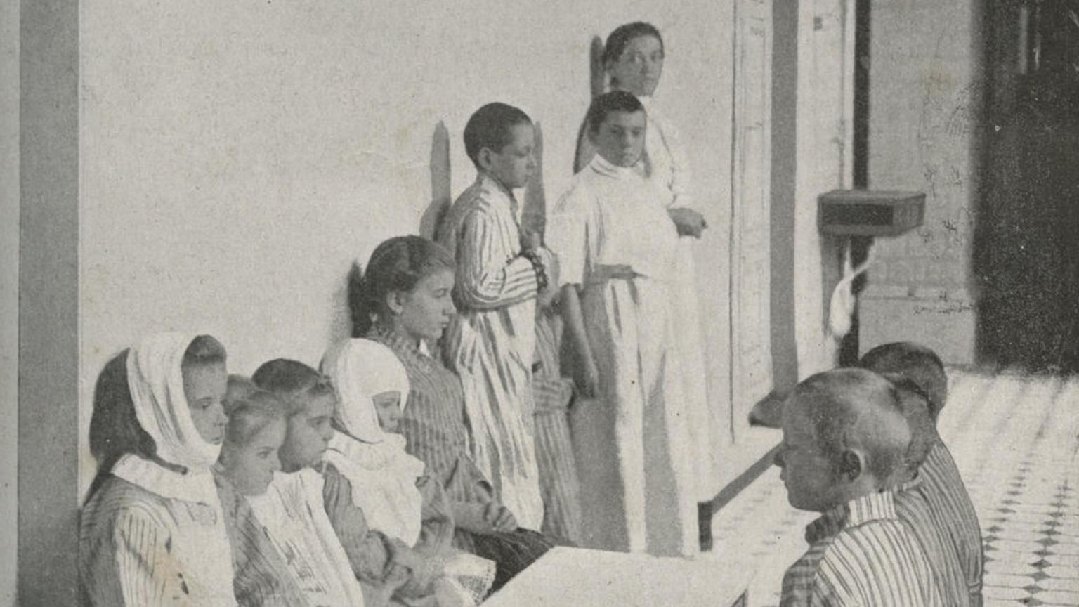 Zdjęcie dla kartki: Otwarcie najstarszego szpitala dziecięcego w Warszawie