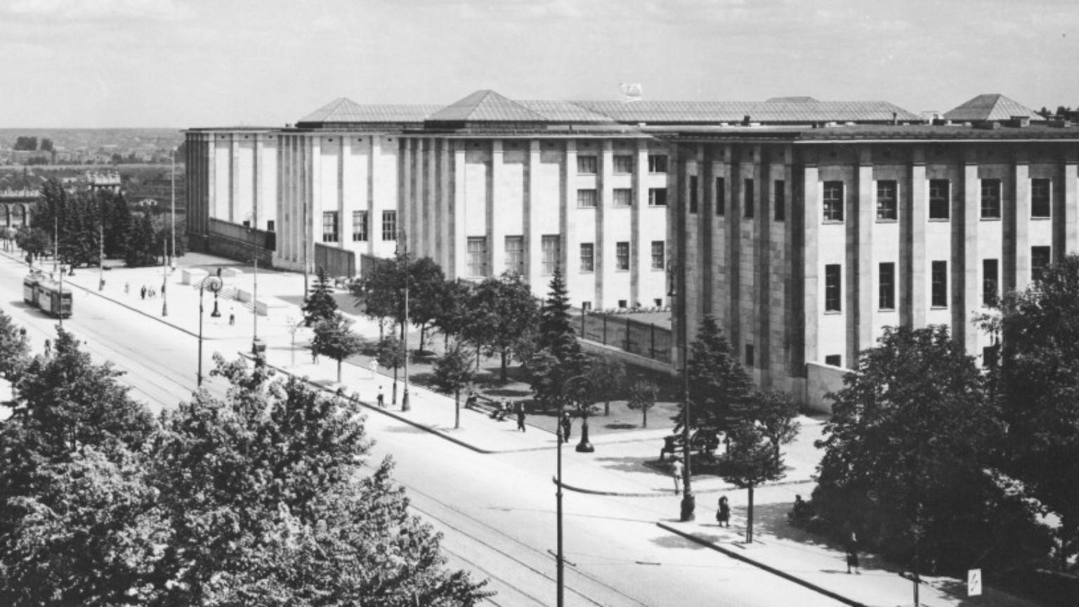 Zdjęcie dla kartki: Początki Muzeum Narodowego w Warszawie