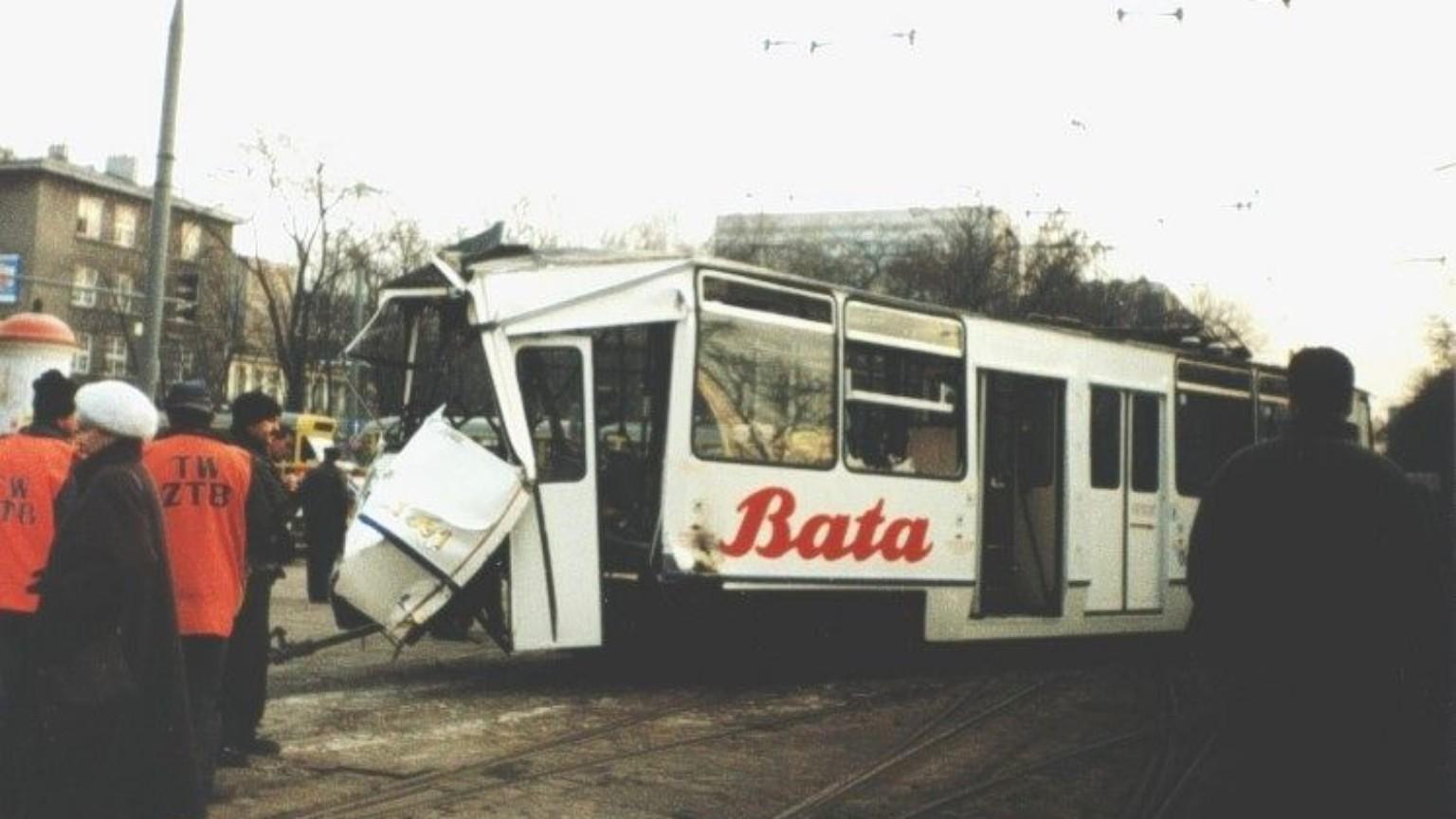 Zdjęcie dla kartki: Tramwaj-widmo jedzie przez Warszawę