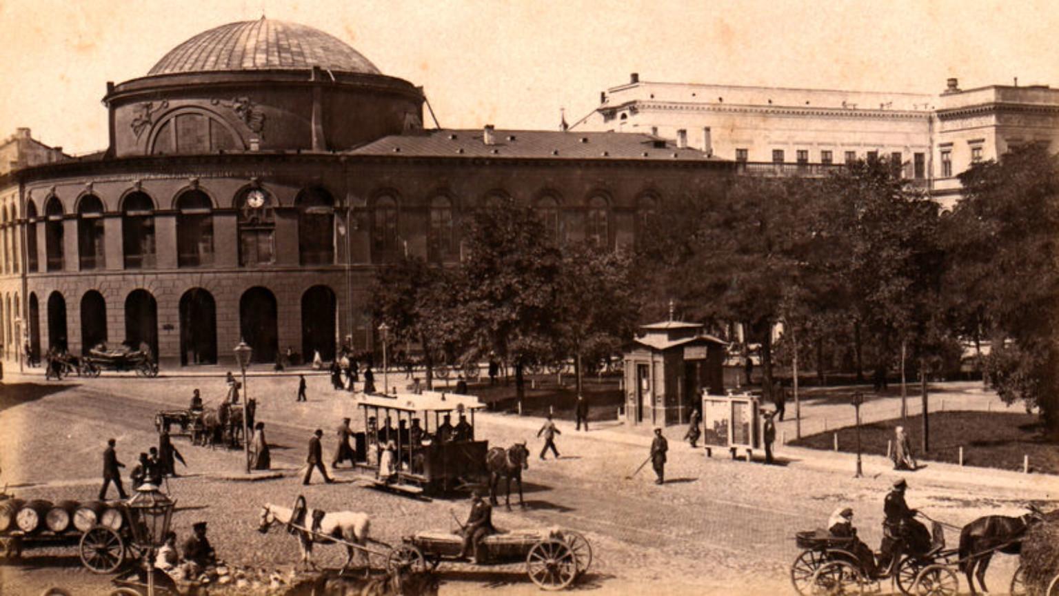 Zdjęcie dla kartki: Na warszawskiej ulicy