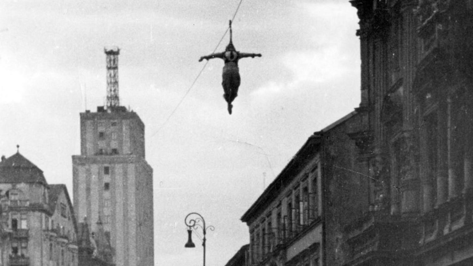 Zdjęcie dla kartki: Niemcy kuszą warszawiaków cyrkiem
