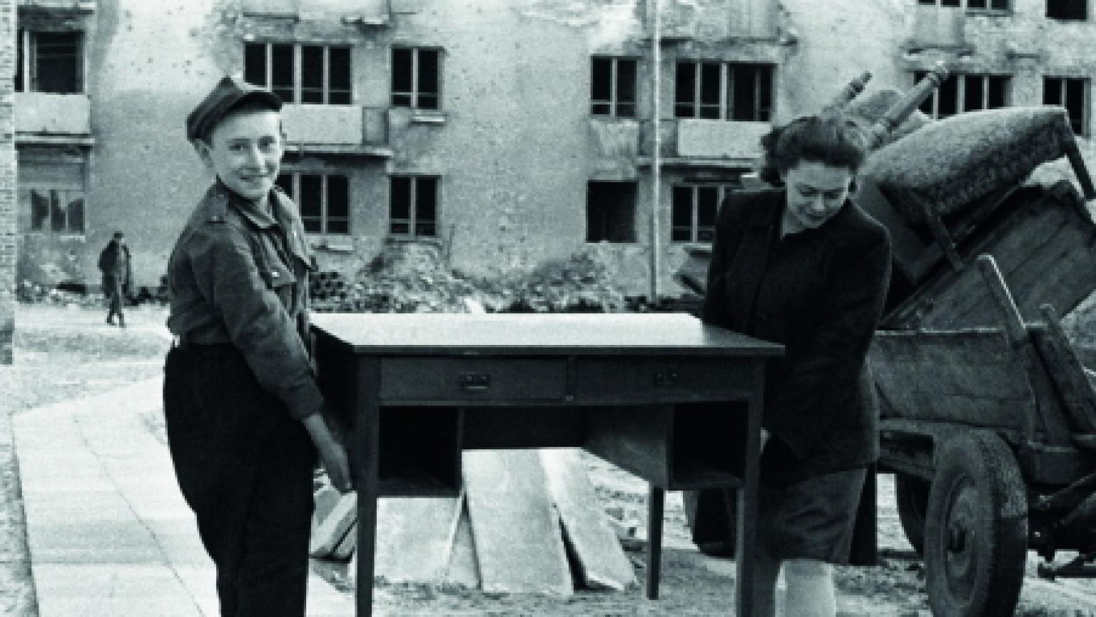 Zdjęcie dla kartki: WSM buduje pierwszy powojenny blok