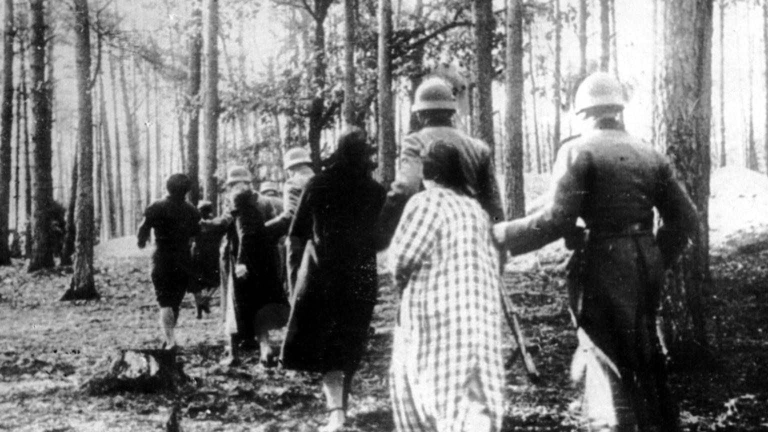 Zdjęcie dla kartki: Śmierć warszawskich elit