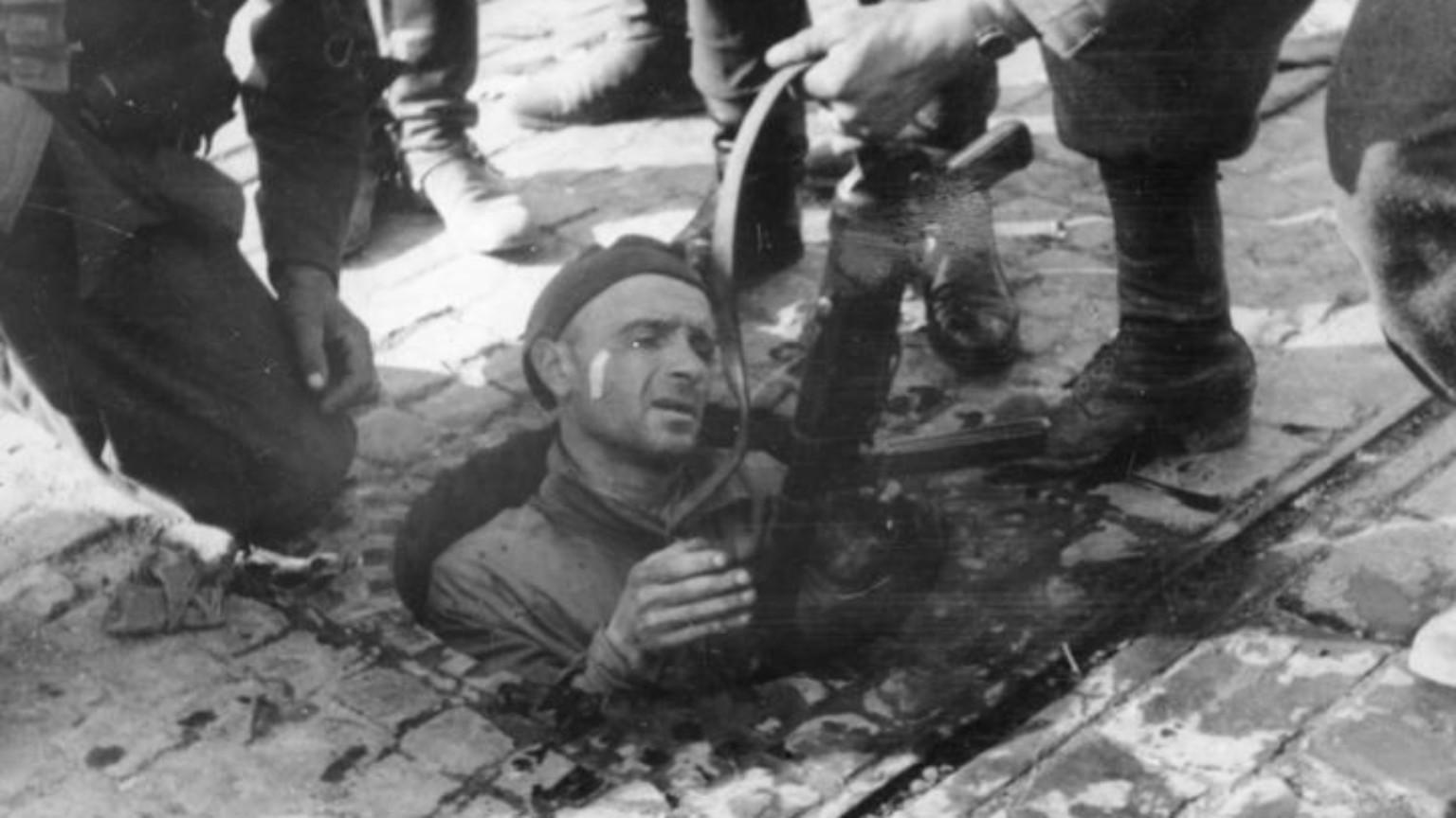 Zdjęcie dla kartki: Powstanie Warszawskie: Upadek Starego Miasta