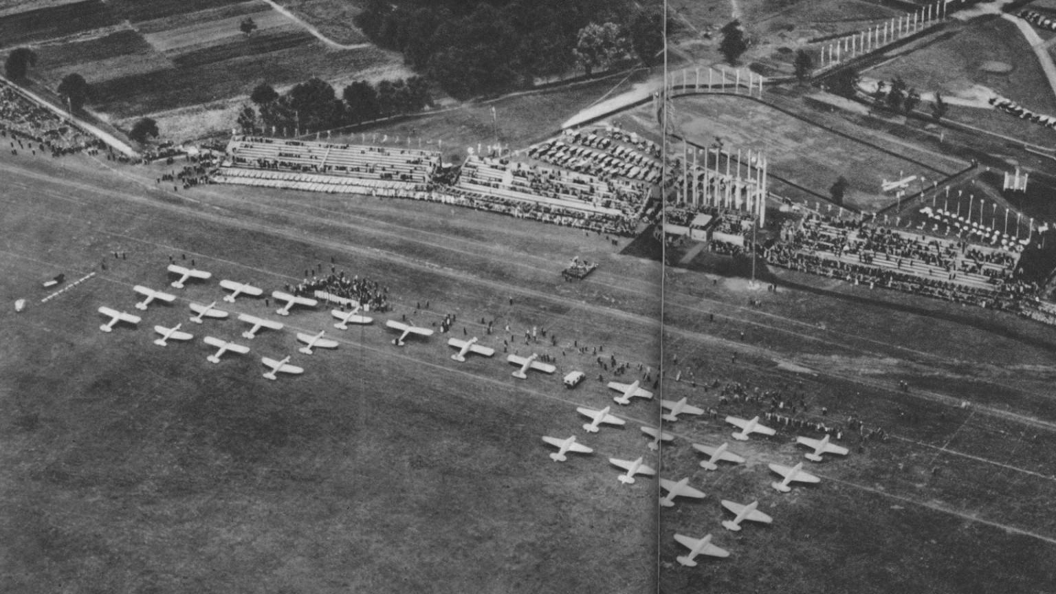 Zdjęcie dla kartki: Zawody samolotowe na Polu Mokotowskim