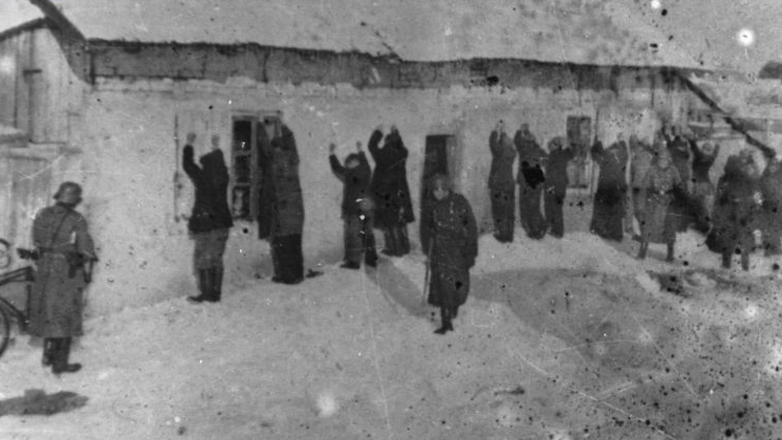Zdjęcie dla kartki: Pierwsza masowa egzekucja na mieszkańcach Warszawy