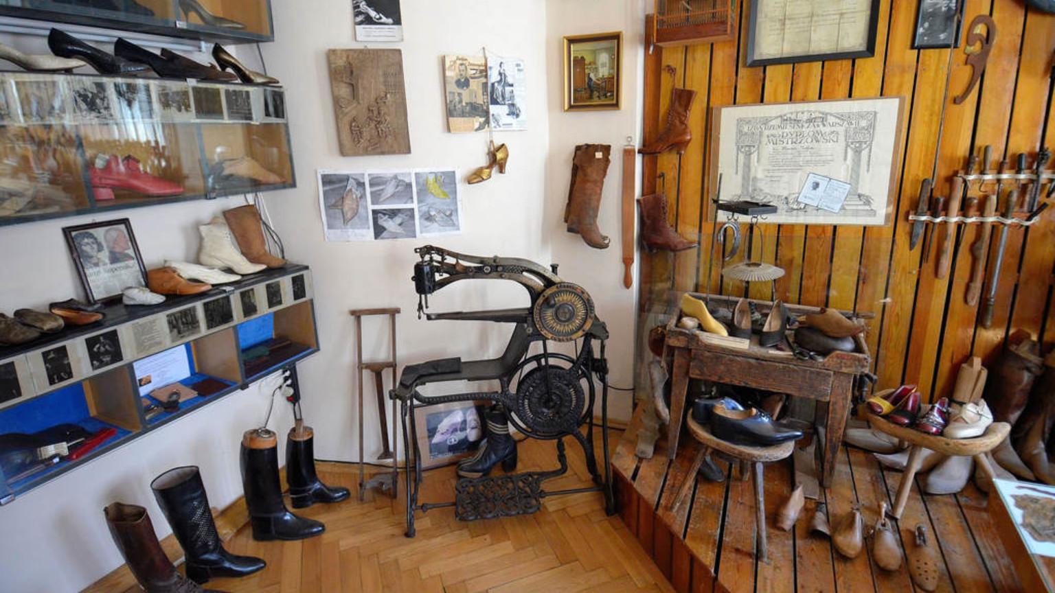 Zdjęcie dla kartki: Muzeum Cechu Rzemiosł Skórzanych im. Jana Kilińskiego