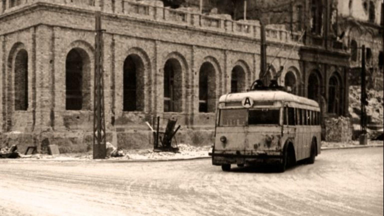 Zdjęcie dla kartki: Pierwsze warszawskie trolejbusy