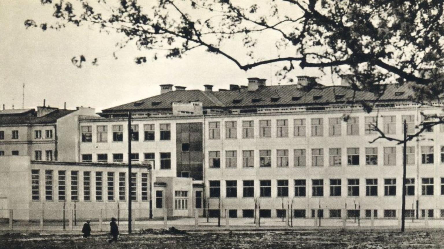 Zdjęcie dla kartki: Pierwsza warszawska tysiąclatka