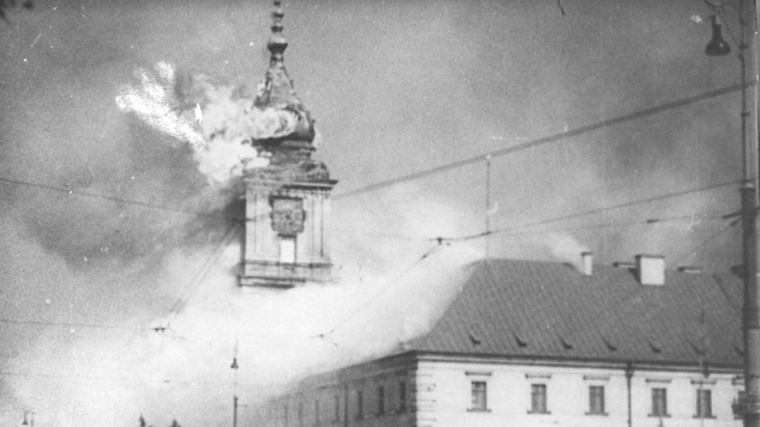 Zdjęcie dla kartki: Zbombardowanie Zamku Królewskiego