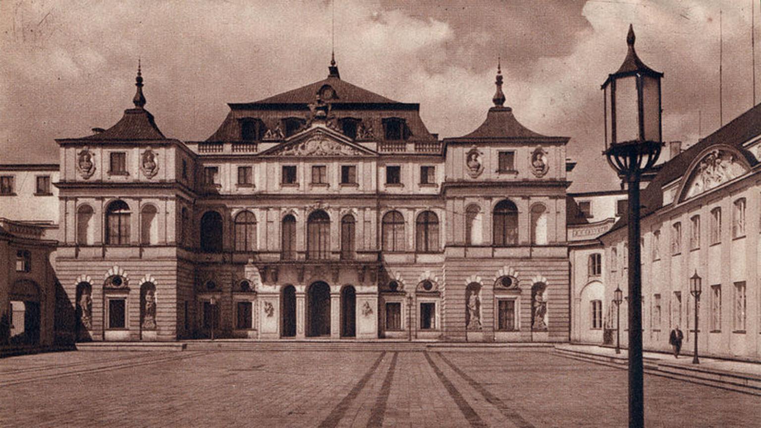 Zdjęcie dla kartki: Wysadzenie pałacu Brühla