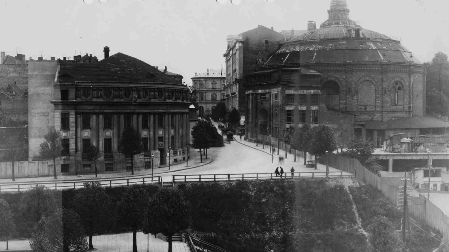 Zdjęcie dla kartki: Korczak na Karowej