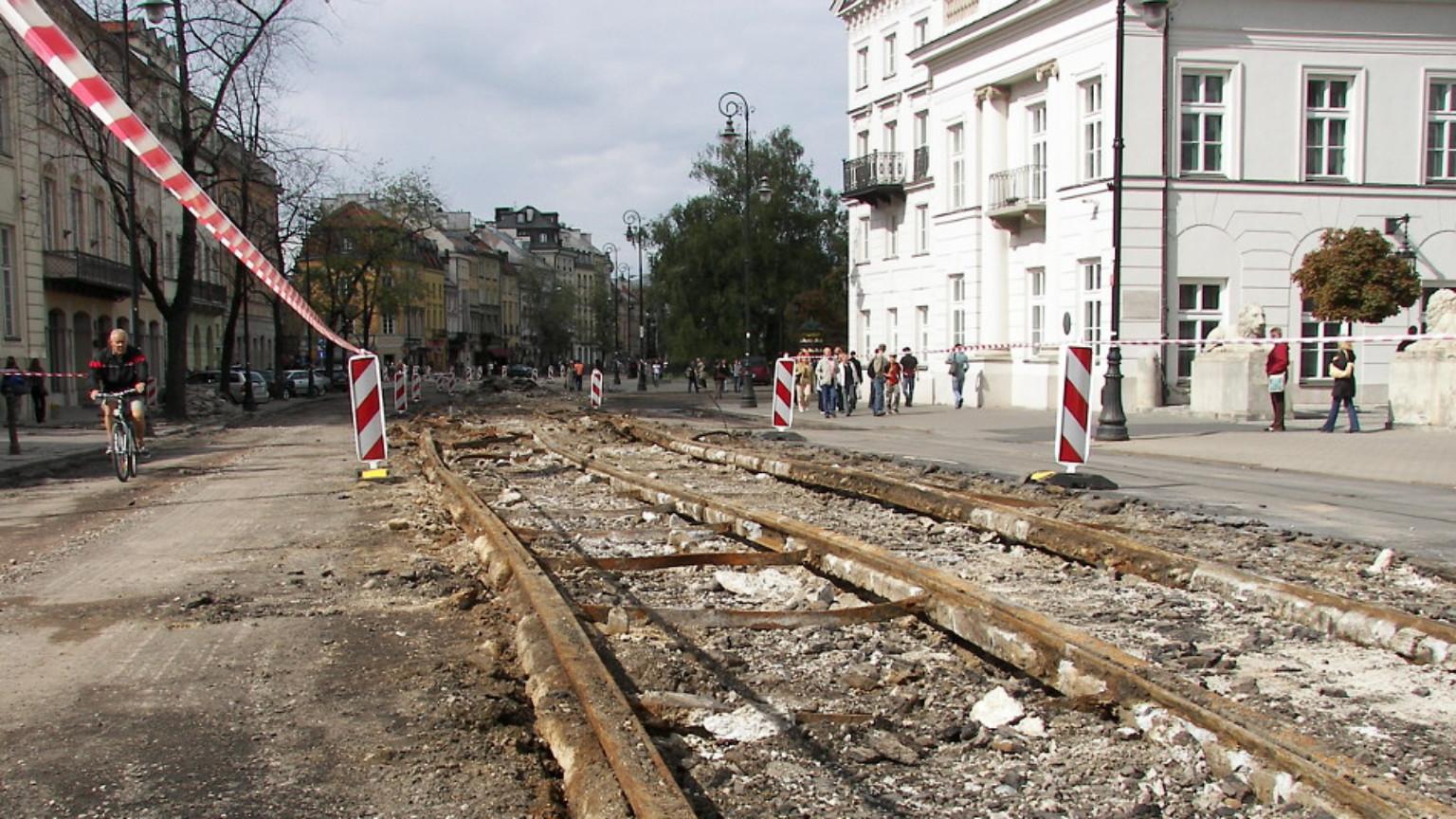 Zdjęcie dla kartki: Krakowskie Przedmieście odzyskuje blask