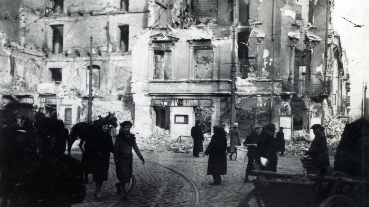 Zdjęcie dla kartki: Bombardowanie Nalewek