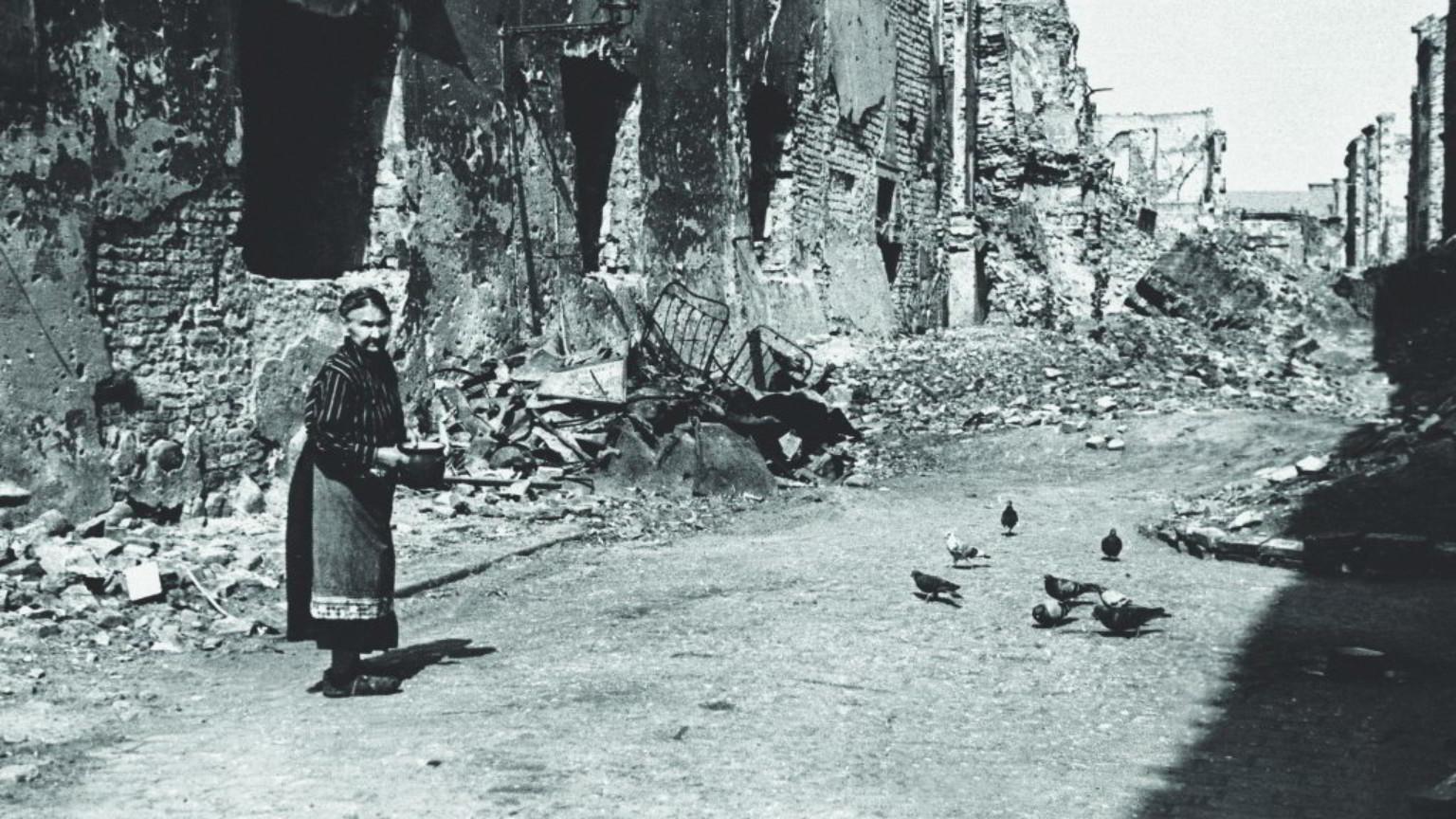 Zdjęcie dla kartki: Staromiejska gołębiarka