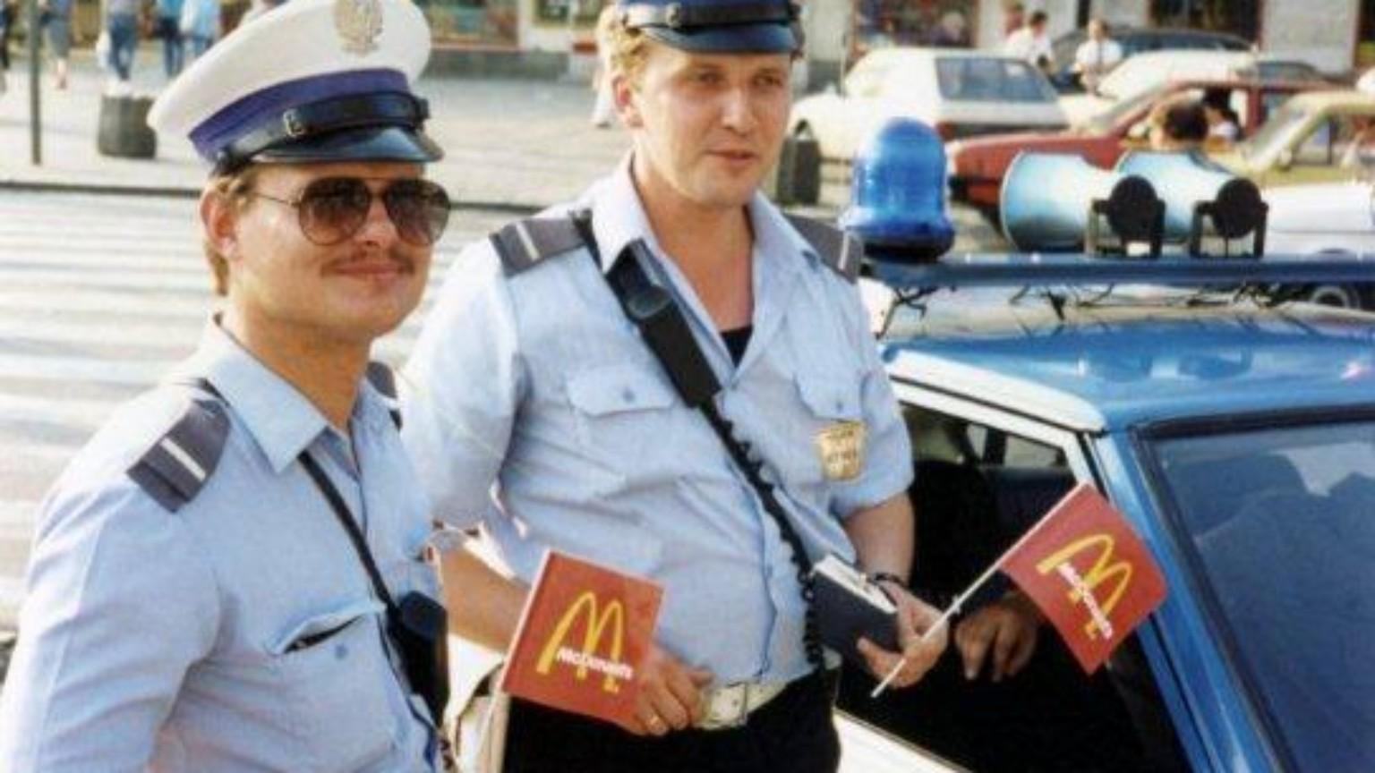 Zdjęcie dla kartki: Otwarcie pierwszej w Polsce restauracji McDonald's
